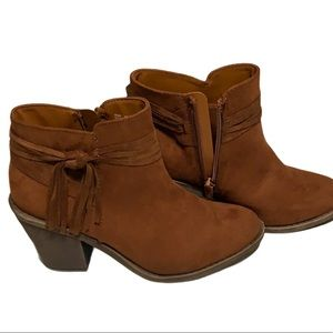 Arizona Jean Co faux suede heeled bootie brown 6.5
